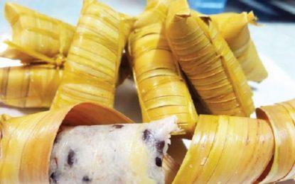 Ăn thử món bánh lá dừa khi đến Bến Tre