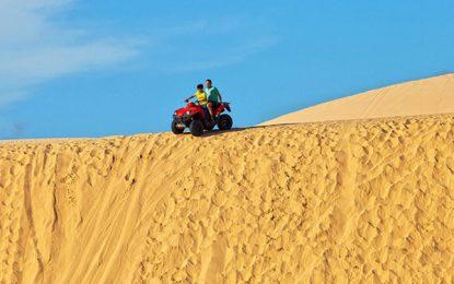 Những đồi cát đẹp hút khách du lịch tại Việt Nam