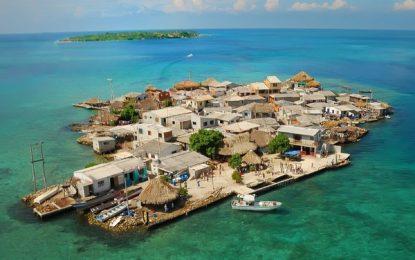 Khám phá hòn đảo chật chội nhất thế giới