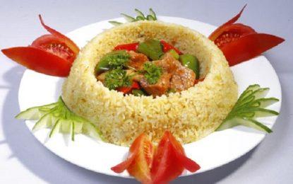 Cách làm cơm chiên thịt bò xào ớt chuông Đà Lạt đơn giản cho bữa trưa bổ dưỡng