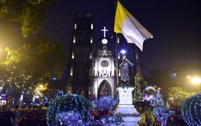 Rực Sáng Lung Linh Các Nhà thờ Lớn Ở Hà Nội Trước Đêm Giáng Sinh