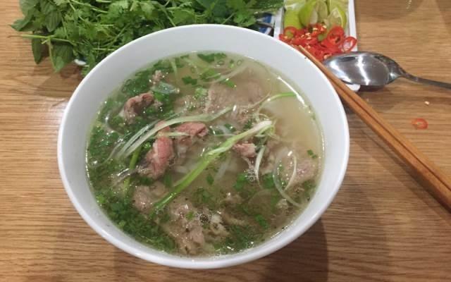 1-pho-an-dem-do-chieu-vung-tau-noi-an-uong-tha-ga-tai-pho-bien
